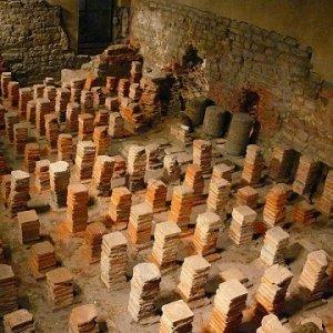 roman baths hypocaust small